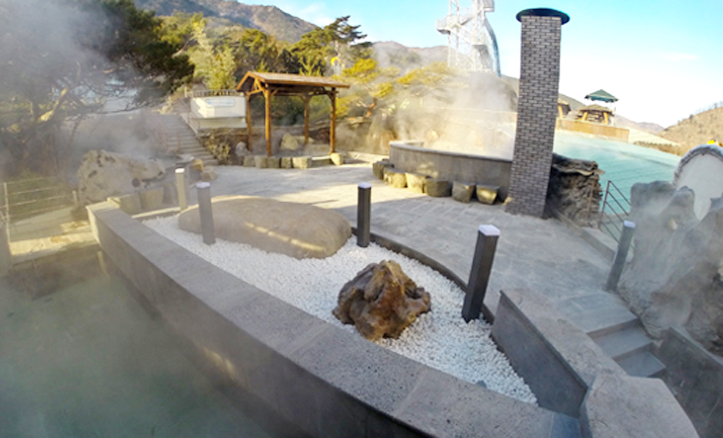 Outdoor hotspring in Spavalley