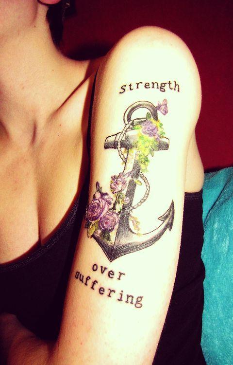 Tatuagem de Ancora e Flores