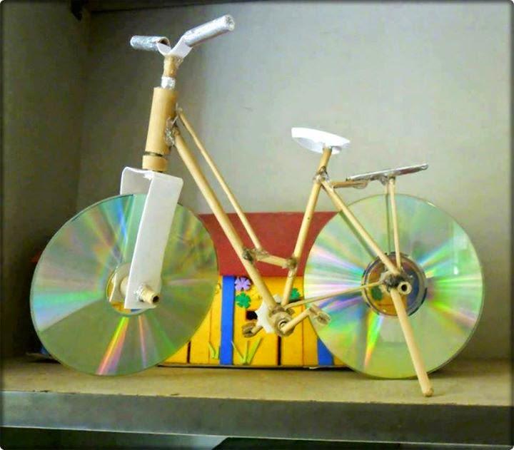 xe đạp đồ chơi tự chế từ đĩa CD