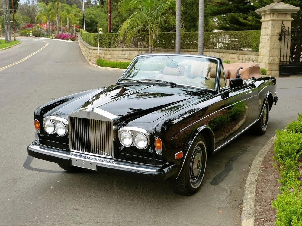 all classic cars nz 1993 rolls royce corniche convertible iv. Black Bedroom Furniture Sets. Home Design Ideas