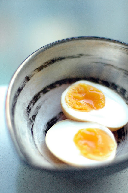 How to boil a ramen egg, a.k.a. hanjuku or ajitsuke tamago