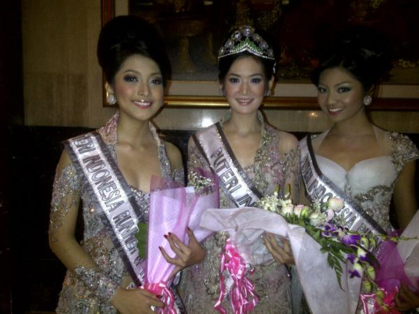 Maria Selena,Liza Eilly,miss indonesia 2011