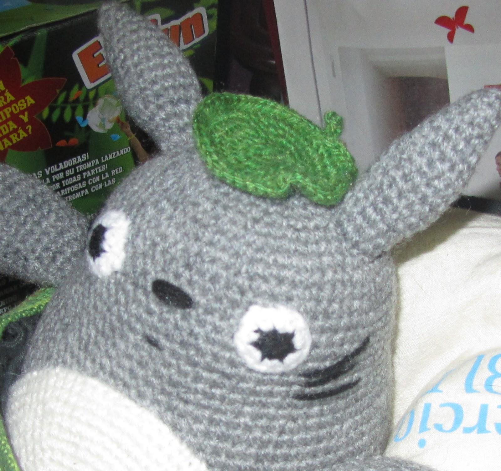 Amigurumis Totoro Patron : Eskulantxo patr�n de amigurumi totoro