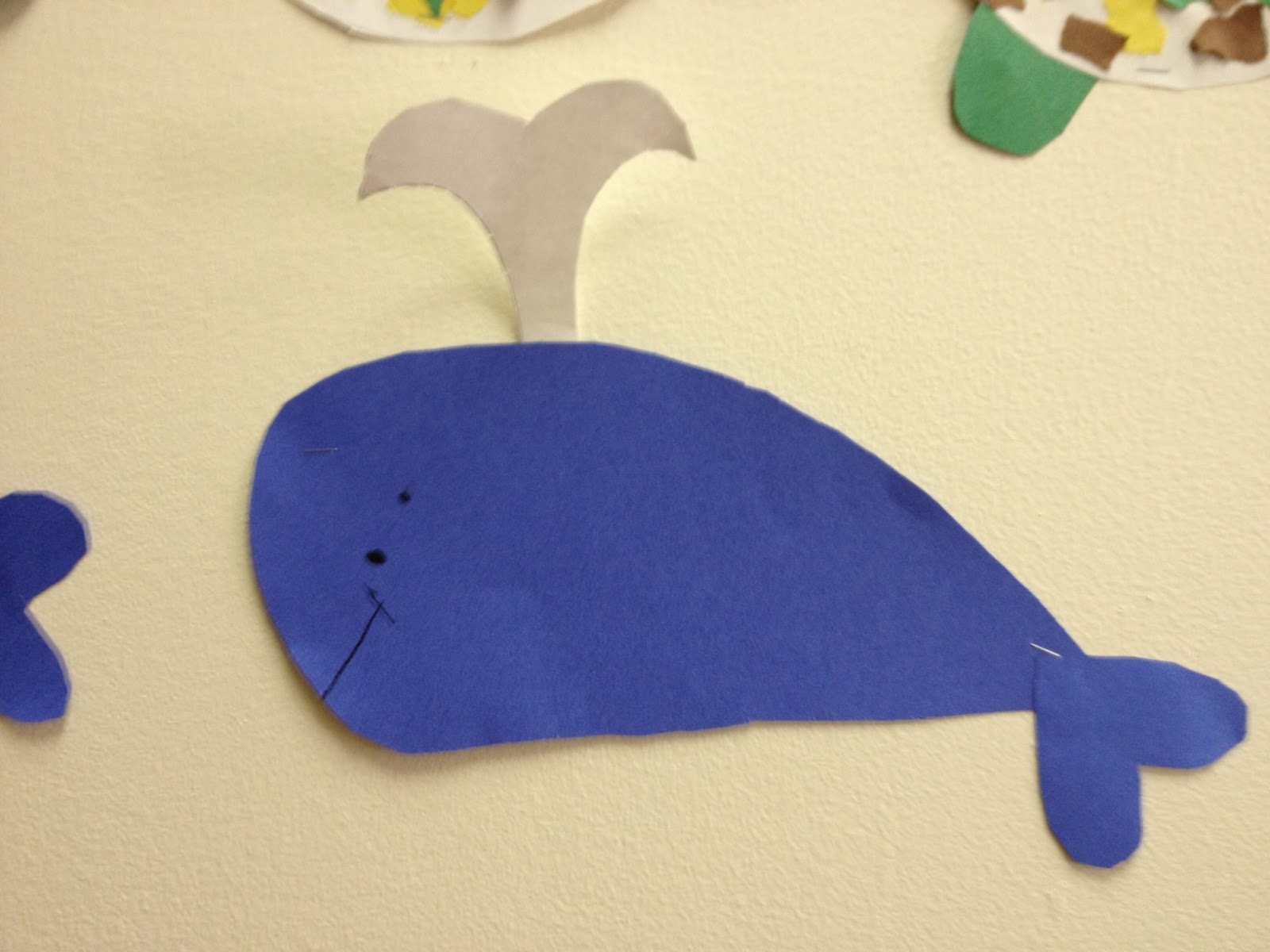Mrs hodge and her kindergarten kids teaching colors for Whale crafts for kids