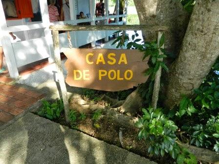 Entrada a casa de Polo Montañés