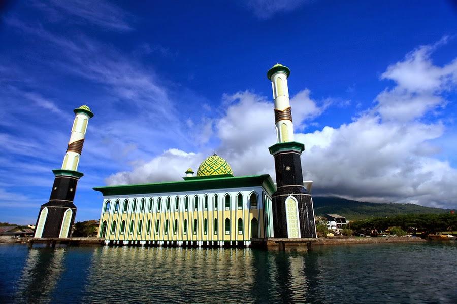 Masjid Terapung Di Laut Paling Unik Di Dunia - Unik Doang