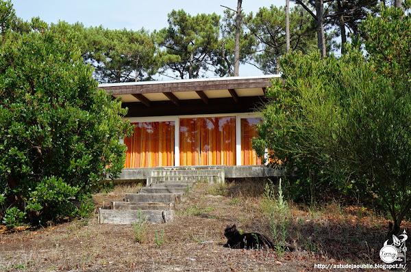 Lège-Cap-Ferret - Piraillan - Maison Martineau  Architectes: Atelier d'Architecture Yves Salier, Adrien Courtois, Pierre Lajus, Michel Sadirac  Construction: 1968