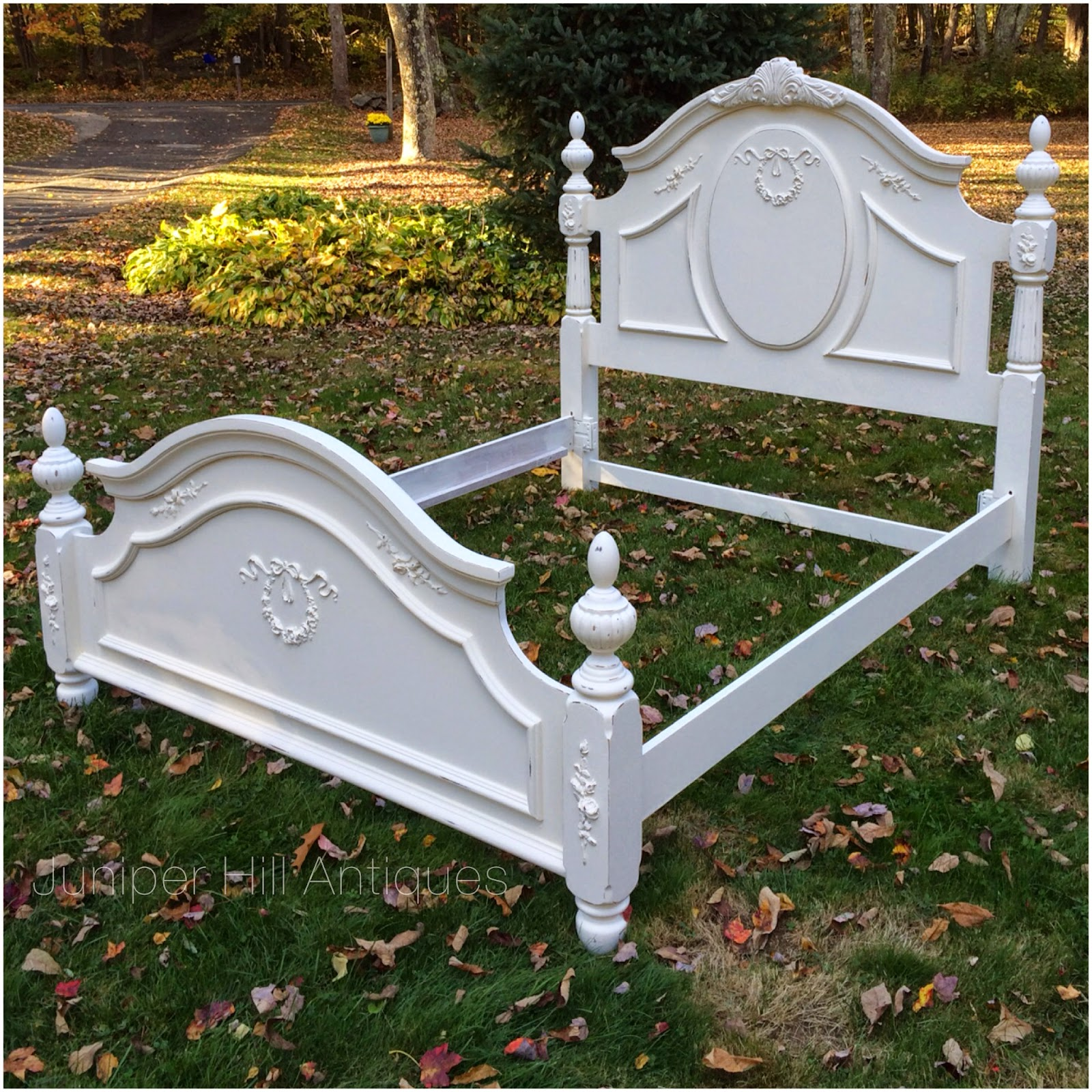 Queen size shabby chic cottage bed