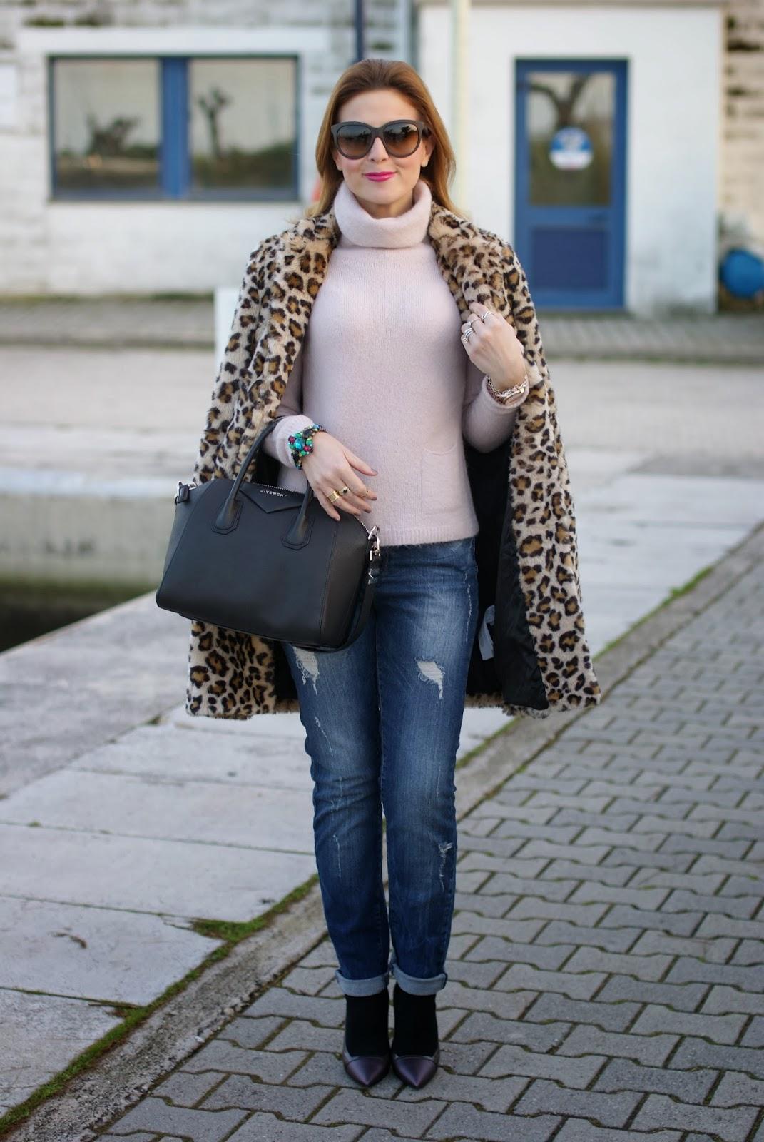 zara leopard coat, leopard faux fur coat, givenchy antigona bag, fashion and cookies, fashion blogger