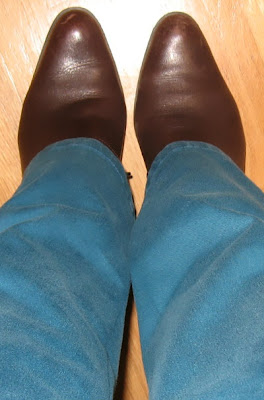 brown boots with turquoise jeans