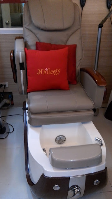 nailogy massage chair, nailogy massage, beauty blogger, pampering,