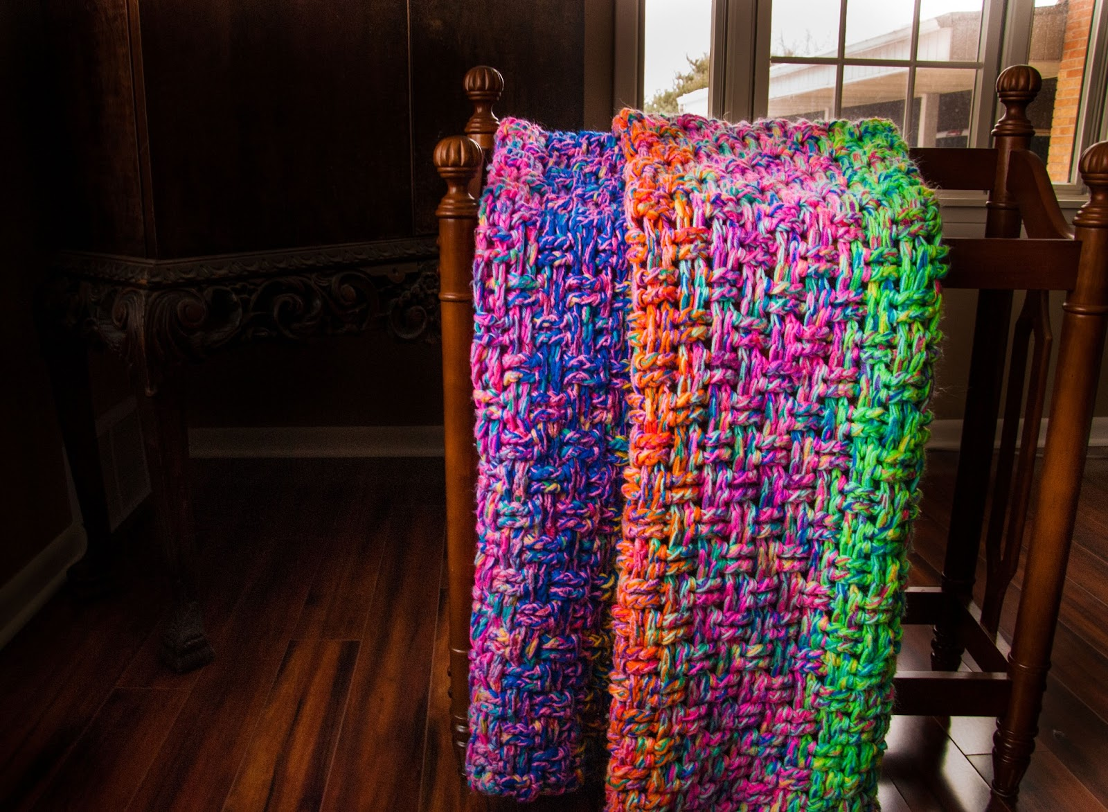 Crochet Patterns To Use Up Yarn : FPF: Zimtstern Mitts and Scrap Yarn Blanket tutorial ...