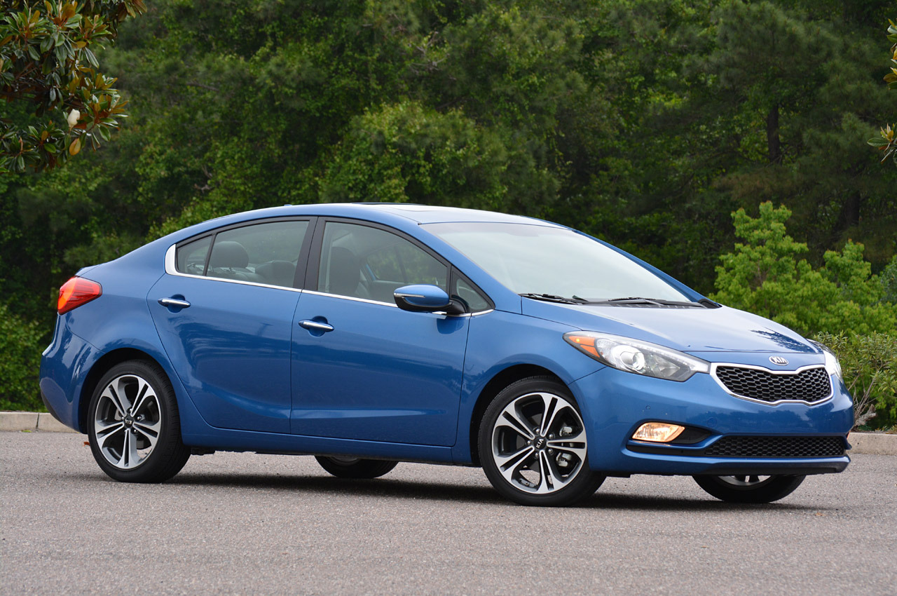 © Automotiveblogz: 2014 Kia Forte: Review Photos