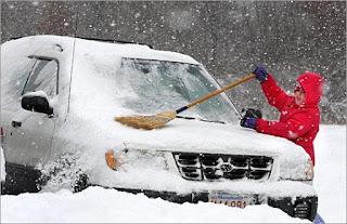 zima i samochód