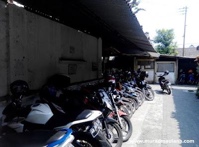 Tempat Parkir Inap Motor di Stasiun Lempuyangan