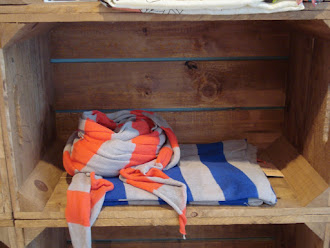 FULAR B-TWISTED STRIPE COLORES BLUE Y KISS (BECKSÖNDERGAARD SS13)