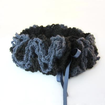 https://www.etsy.com/listing/249222952/crochet-wool-ruche-neck-warmer-choker?ref=shop_home_active_13