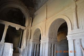 igreja esculpida na pedra - capadocia