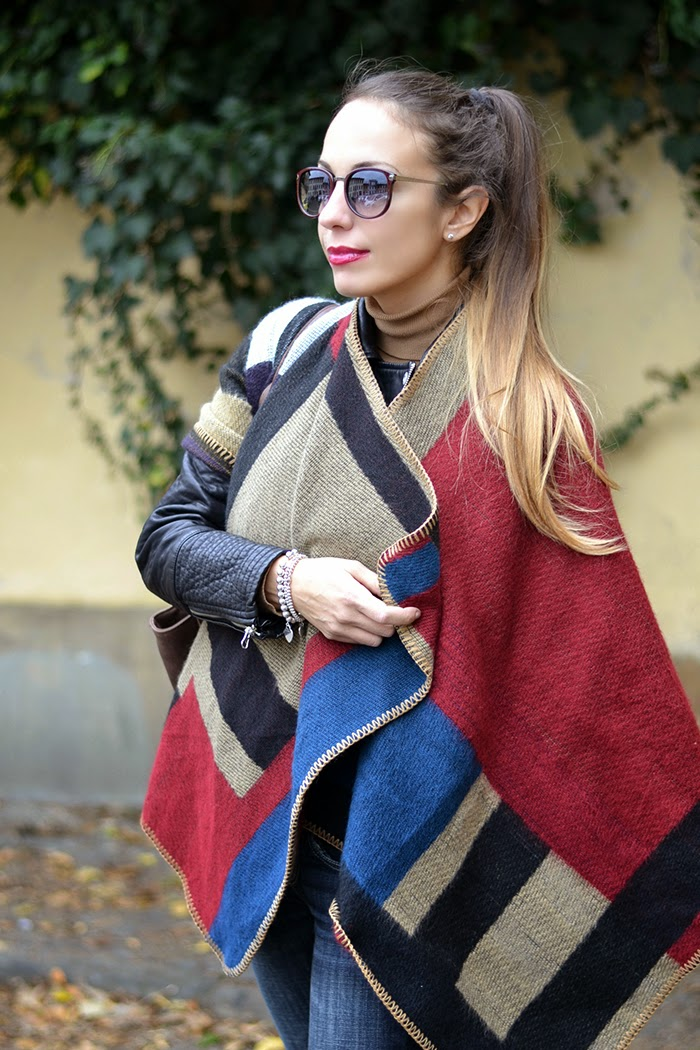 poncho stile burberry