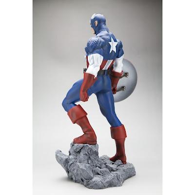 Captain America Statue-2