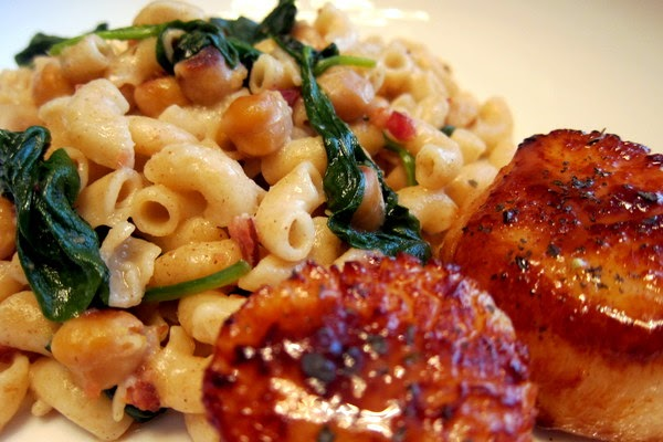 Enjoyer of Grace: PASTA WITH SPINACH, GARBANZO BEANS, AND BACON