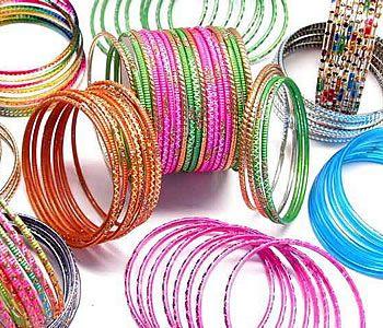Glass-Bangles:-High-on-Fashion!