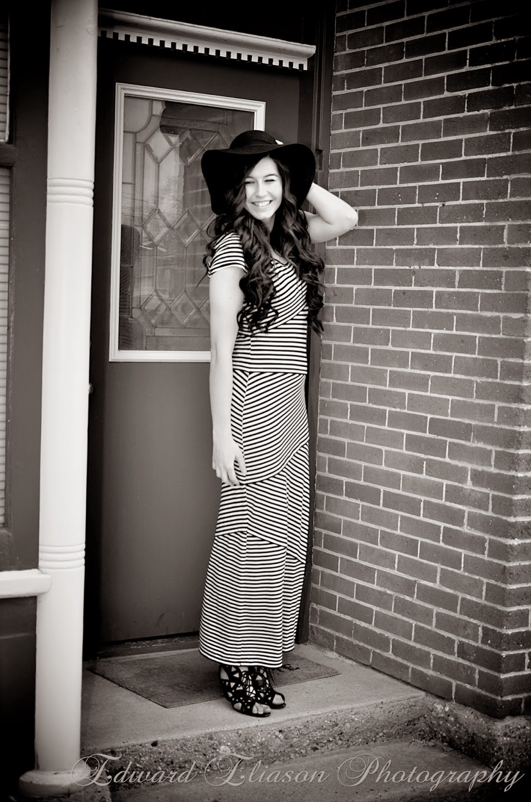 striped maxi dress, maxi dress, striped dress, old sandy city, sandy city, floppy hat, hats, wedges, old city photos,