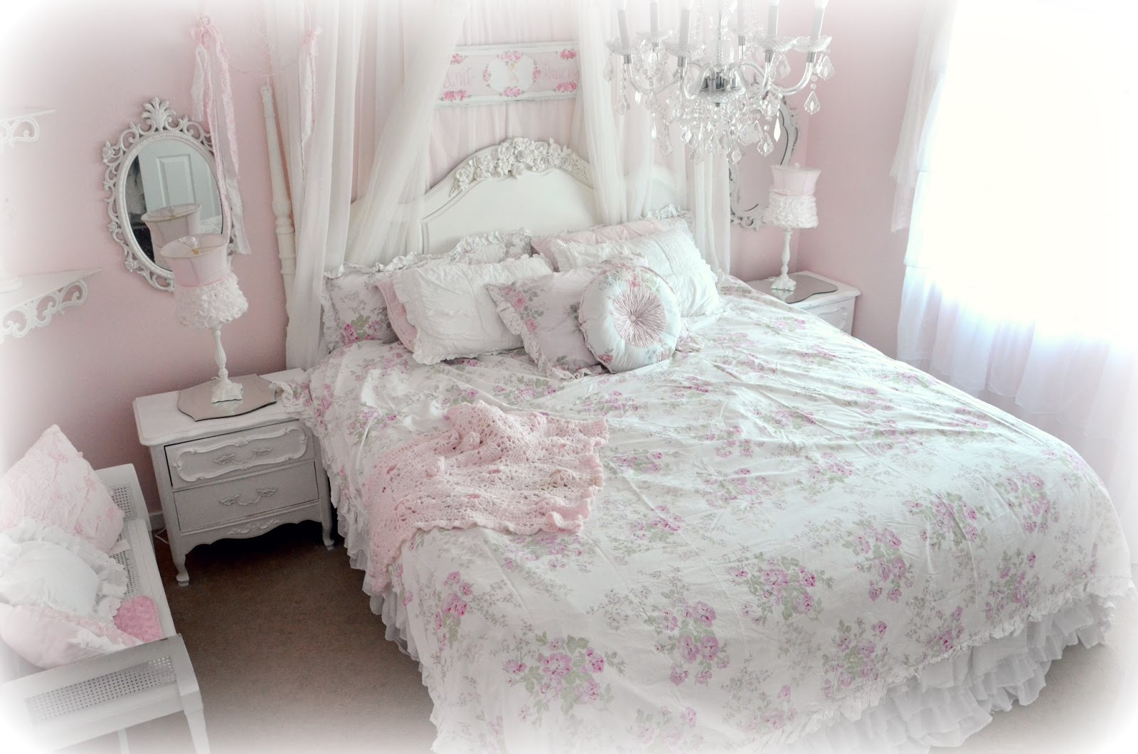 Not so shabby shabby chic new simply shabby chic bedding for Photo shabby chic