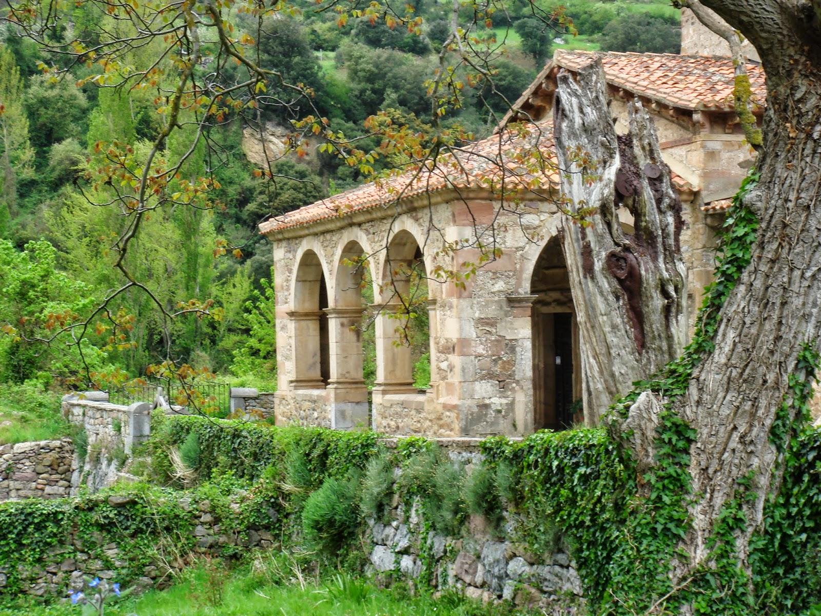 Iglesia del siglo X Santa María de Lebeña