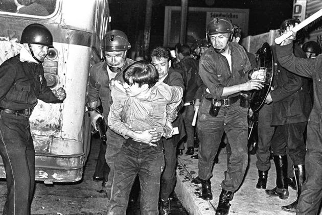 DESLIZAMIENTOS INVERTIDOS  Nadia Contreras    Tlatelolco: la llaga es memoria