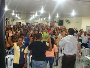 O PALESTRANTE ROGERIO LIMA MINISTRANDO CURA INTERIOR EM SALVADOR-BA
