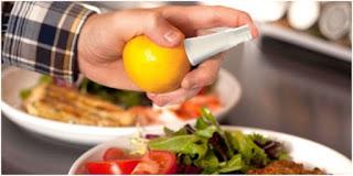 Alat untuk memeras jeruk