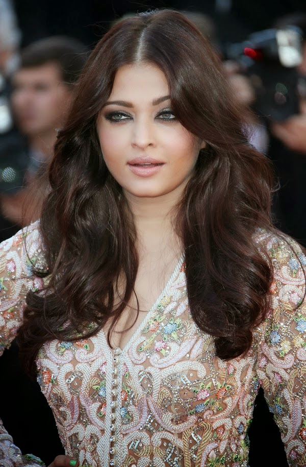 Aishwarya Rai latest Hot Sexy HD Wallpapers 2014