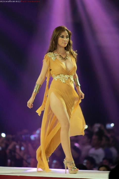 natalie hayashi sexy gown at the 2012 fhm philippines 100 sexiest victory party 02