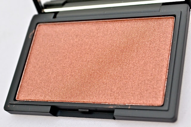Honour_Blush_by_Sleek_Make_Up_ObeBlog_04
