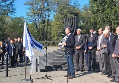 Los ucranianos judíos demandan protección para sitios sobre el Holocausto
