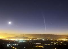 Passagem do cometa Lovejoy pela Terra