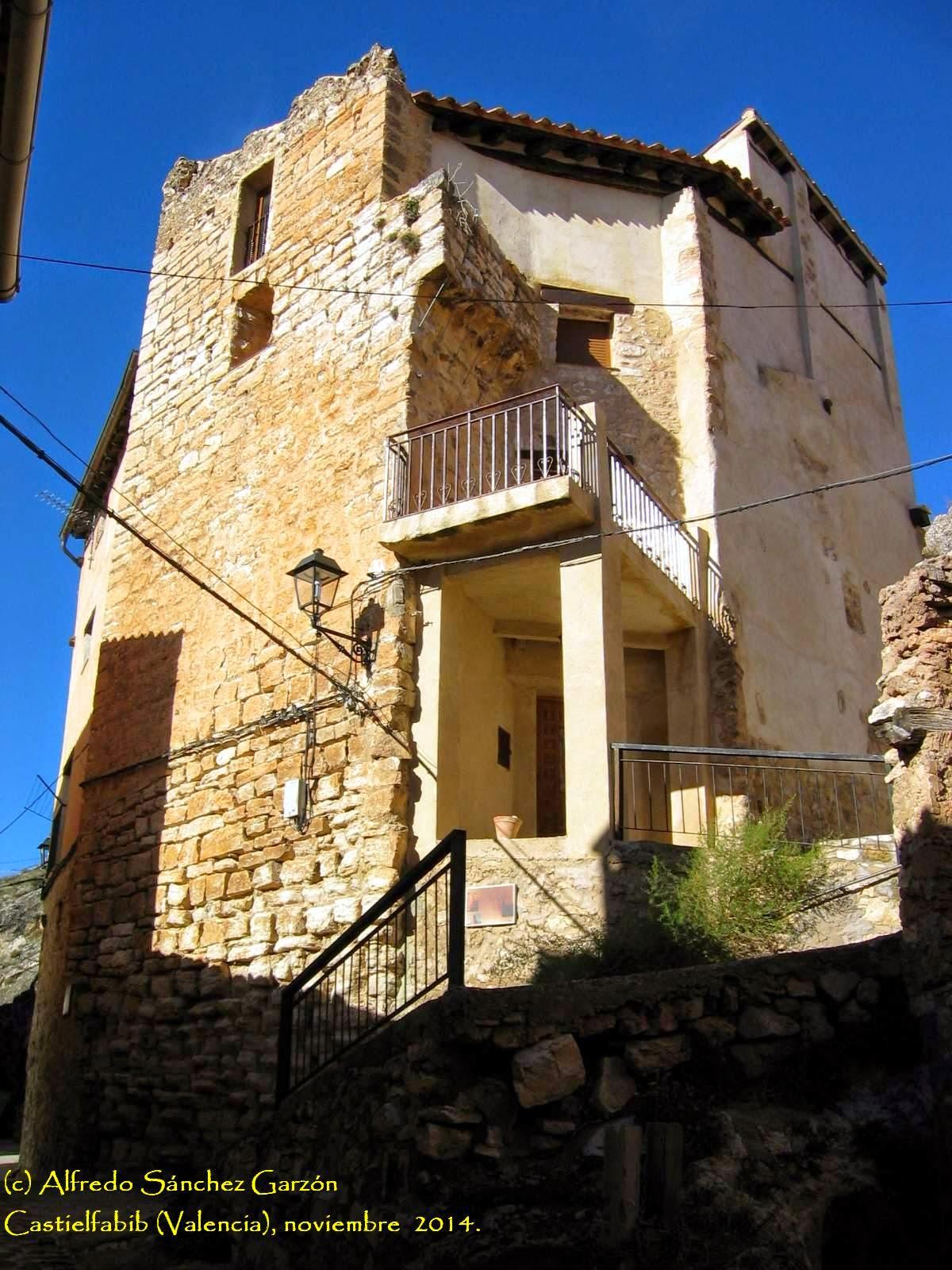 torreta-castielfabib-murallas-villa