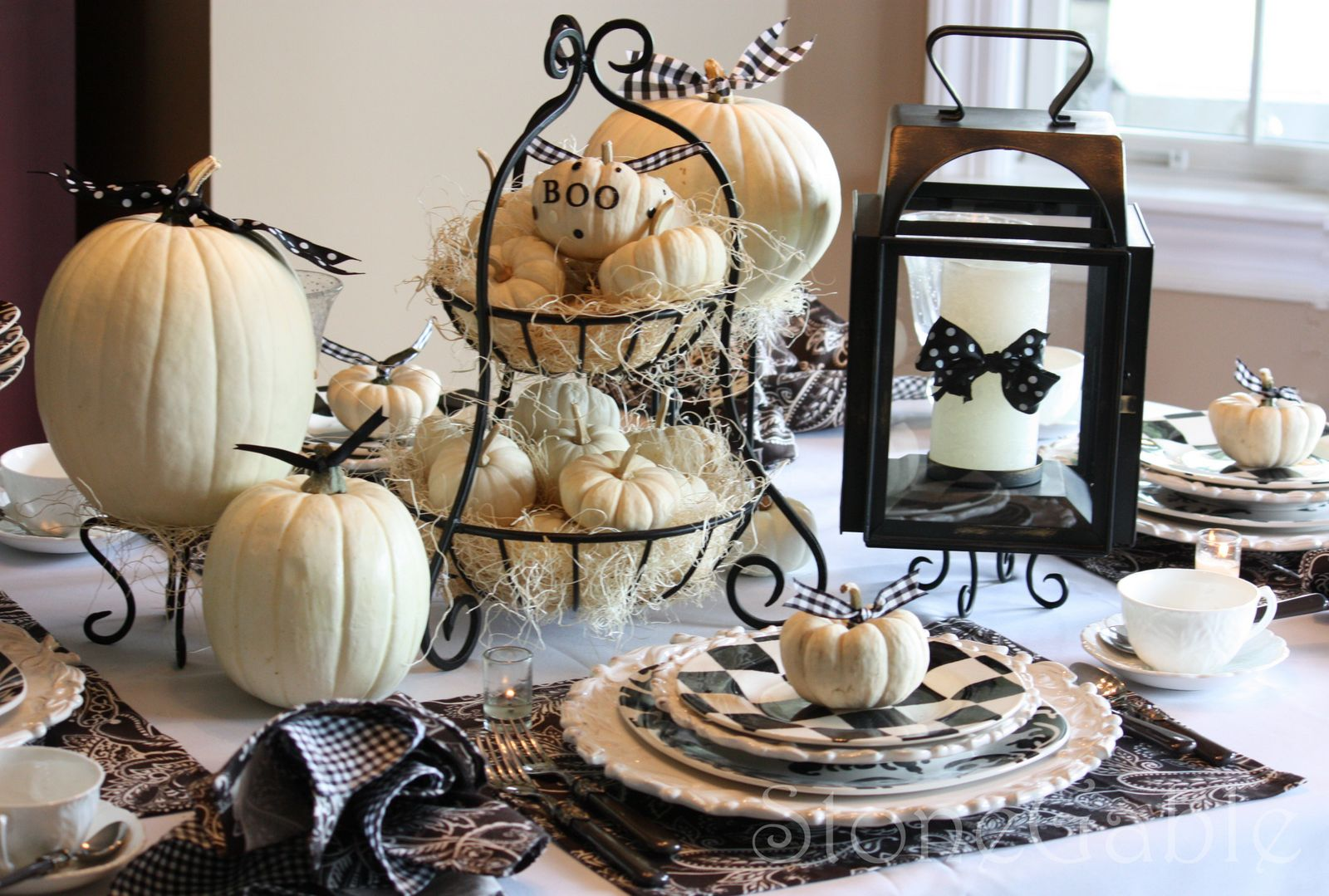 The Queen Of Halloween Black And White Tablescapes
