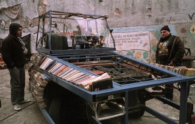 desain-tank-perpustakaan-keliling-mobil-ford-falcon-raul lemesoff-006