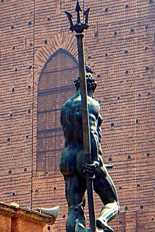 Statua del nettuno bologna erezione