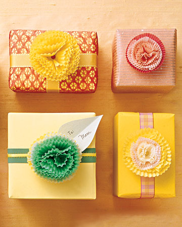 Real estate powerful 12 more creative gift wrap ideas for for Creative christmas ideas