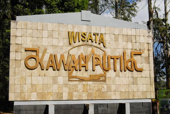 Wisata Alam Kawah Putih Ciwidey Bandung