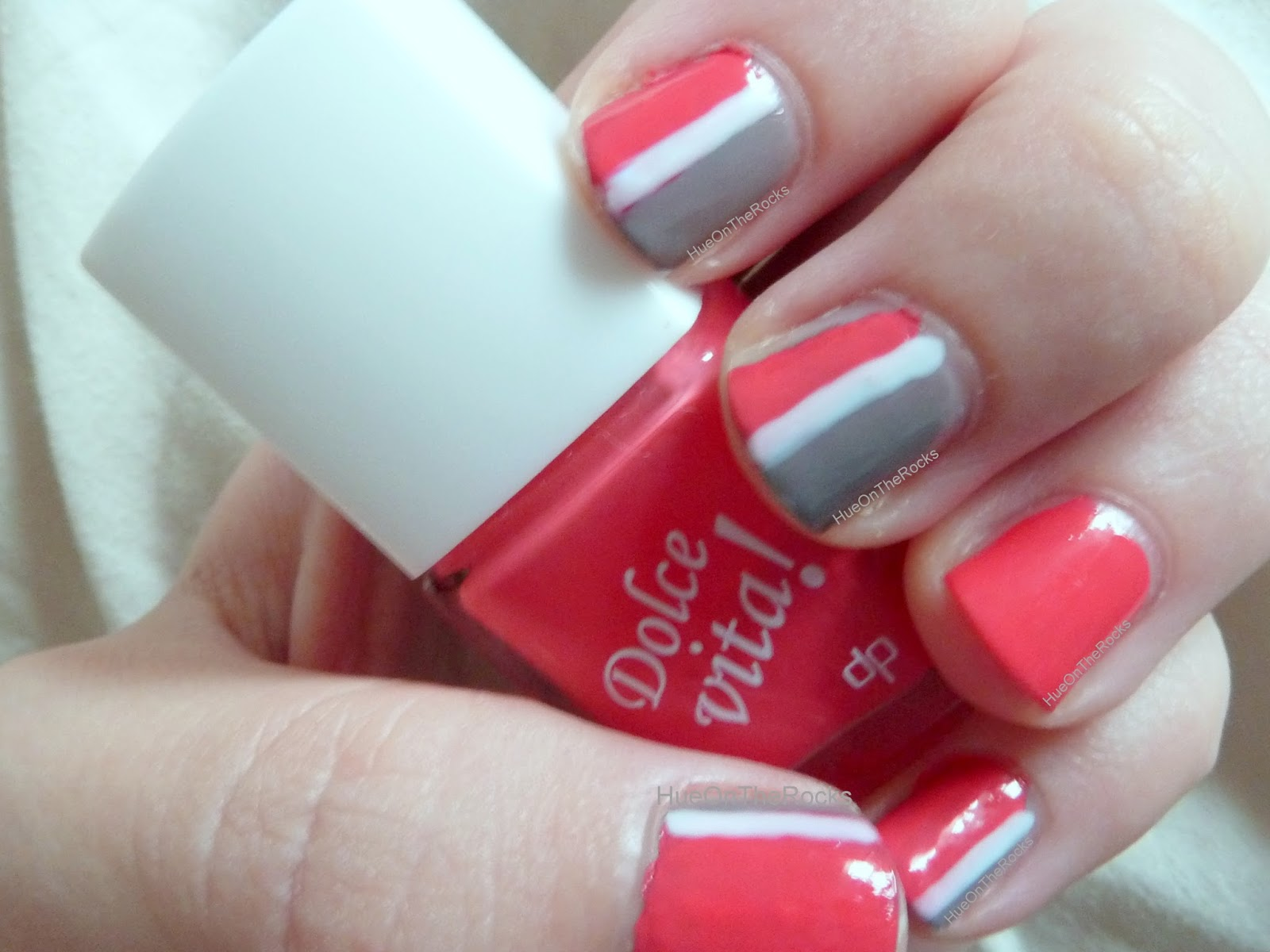 nail art deliplus dolce vita essie chinchilly