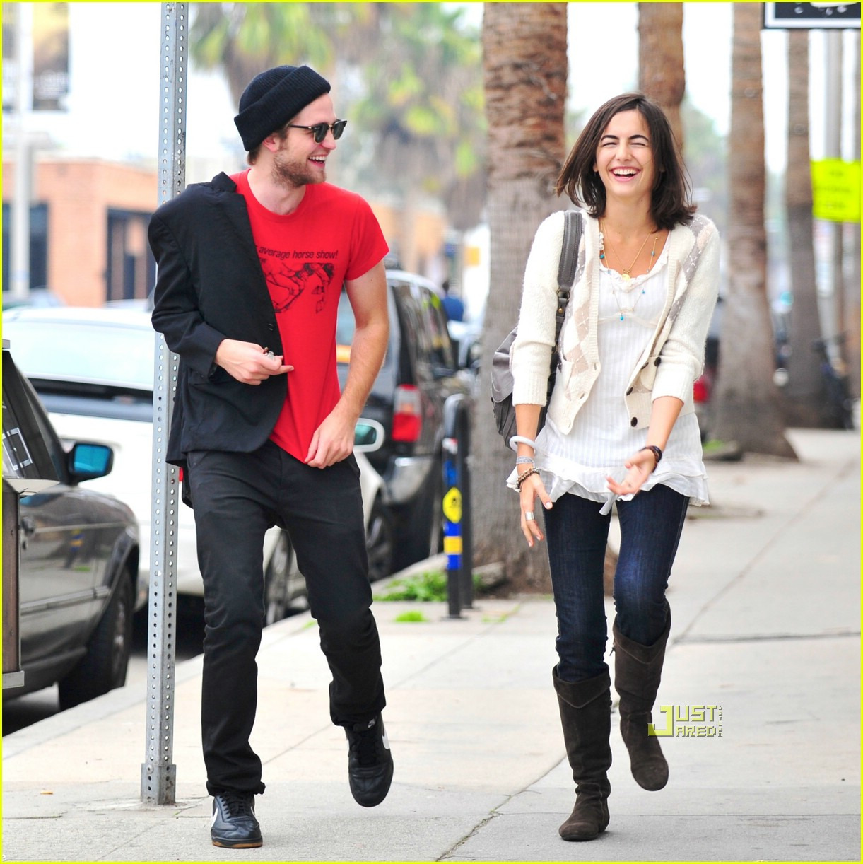 Who is robert pattinson dating now 2014