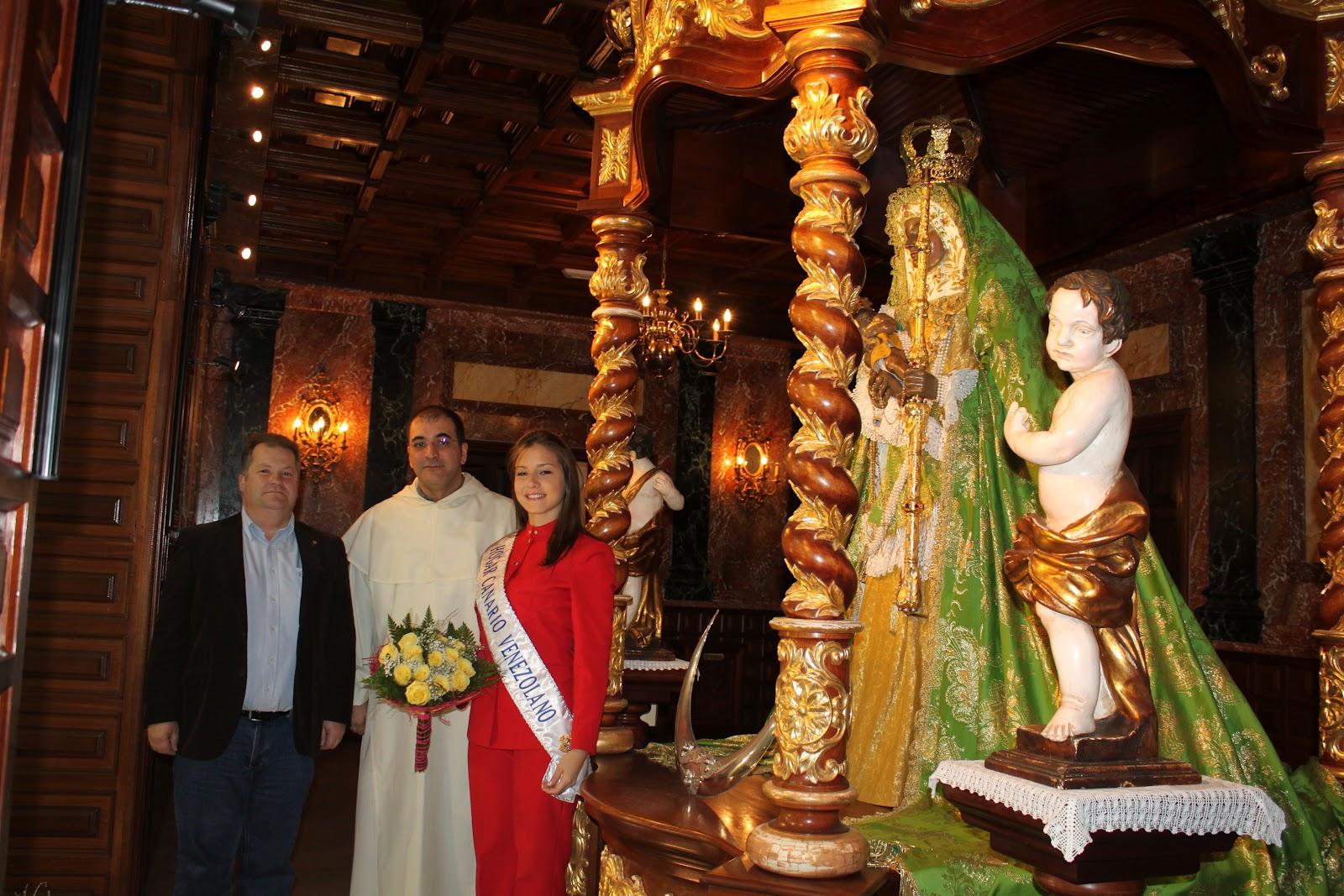 http://4.bp.blogspot.com/-efa4E4wPdmo/T0T36YbcmLI/AAAAAAAAAQQ/inzuc0jXcls/s1600/Visita+reina+hogar+canario+venezolano+2012_2.JPG