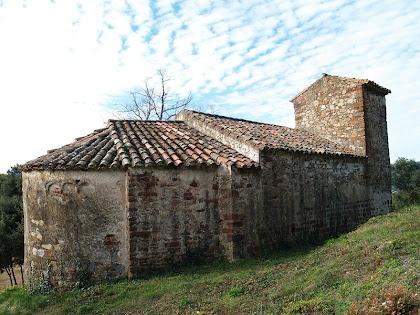 Façana nord de l'església de Sant Cristòfol de Monteugues