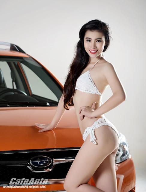 Người đẹp khoe đường cong nóng bỏng bên Subaru XV