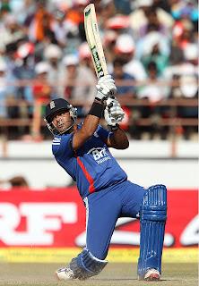 Samit-Patel-INDIA-V-ENGLAND-1st-ODI-2013