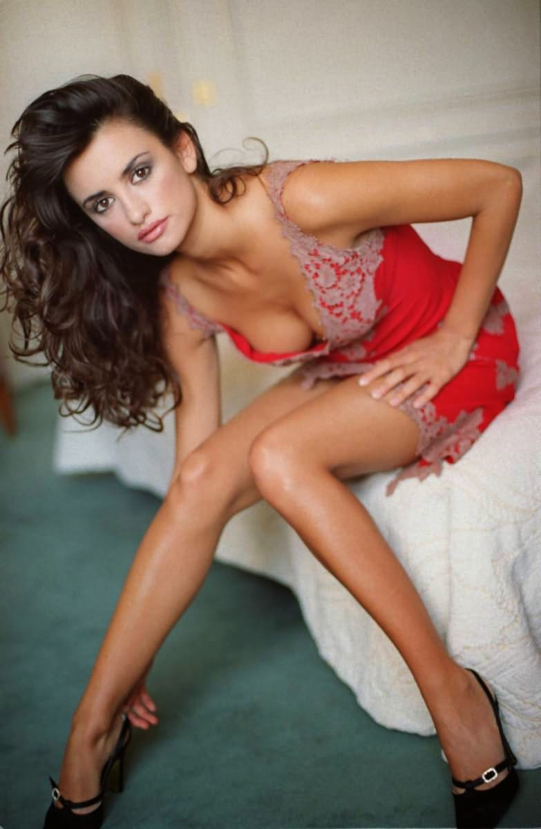 Esquire Names Penelope Cruz 'Sexiest Woman Alive'